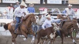 Blake Knowles Captures Sisters Rodeo Victory