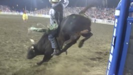Aaron Pass Takes Lead at 2015 Caldwell Night Rodeo with 88 Point Ride