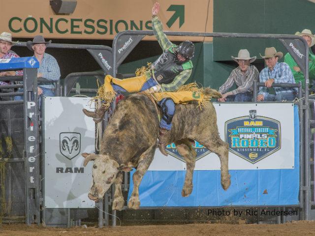 Bull rider Gowdy wins RNCFR first round