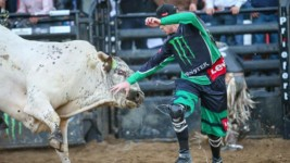 Tanner Byrne to Make History at 2019 PBR Monster Energy Canadian Finals as First Former Qualifier to Cowboy Protect