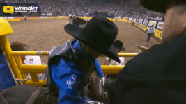 Ryder Wright Achieves Success in Round 7 of Saddle Bronc Riding