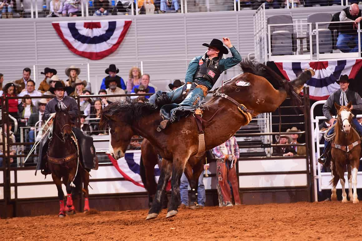 Brown Starts New Era Of Rodeo At Fort Worth With 89 Point
