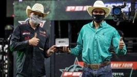 Radford and Ellis Tie for Win at PBR Canada's Historic Return to Competition in Lethbridge