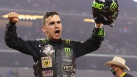 2020 PBR World Championship Race Intensifies as Leme and Pacheco Go Ride-for-Ride in Round 2