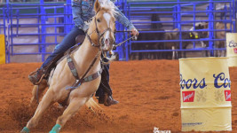 Kinsel Moves to Top of Standings With Round 1 Win at the Wrangler NFR
