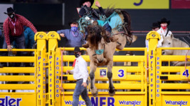 Pope Wins Average at 1st Wrangler NFR